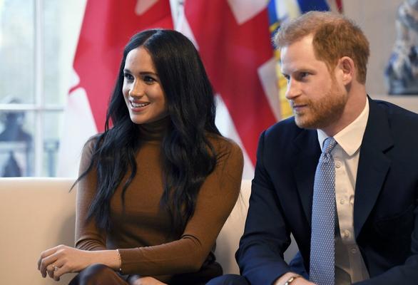 Vợ chồng hoàng tử Anh Harry ra riêng, không muốn nhận trợ cấp hoàng gia - Ảnh 1.