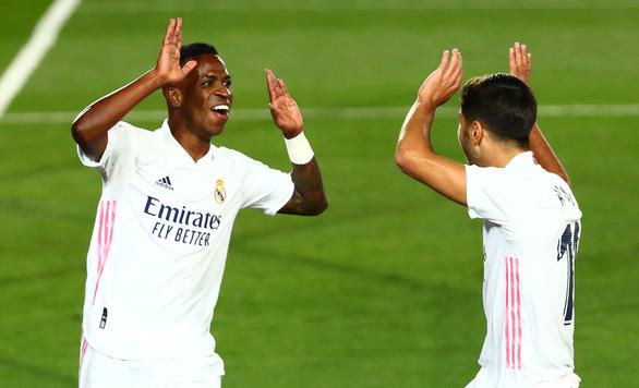 """""""Siêu dự bị' Vinicius tỏa sáng, Real Madrid chật vật vượt ải Valladolid - Ảnh 2."""