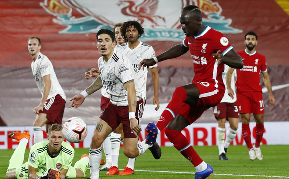 Arsenal, Barca chớ vội đắc ý! - Ảnh 1.