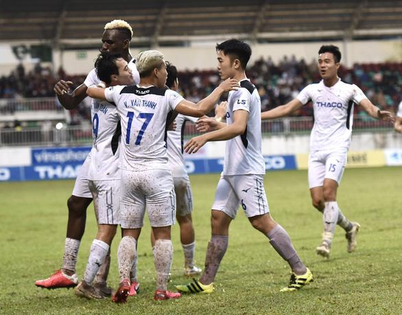 HLV Chung Hae Seong: 5 bàn thua quá dễ - Ảnh 3.
