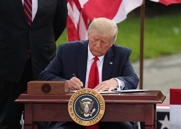 Ông Trump ký sắc lệnh nhằm kết thúc sự thống trị của Trung Quốc về đất hiếm - Ảnh 1.