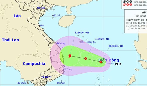 Áp thấp nhiệt đới cách Song Tử Tây hơn 200km, từ Quảng Trị đến Quảng Ngãi mưa to đến rất to - Ảnh 1.