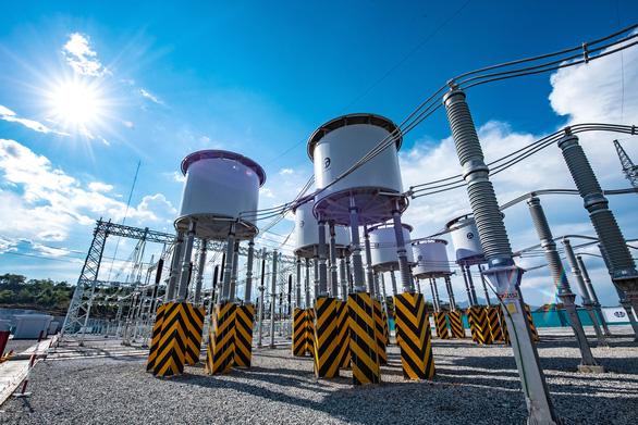 8.000 nhân viên tham gia hoàn thành dự án trạm biến áp, đường dây 500KV và nhà máy ĐMT Trung Nam - Ảnh 3.