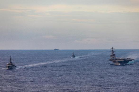 Nhật tập trận chống tàu ngầm ở Biển Đông - Ảnh 1.