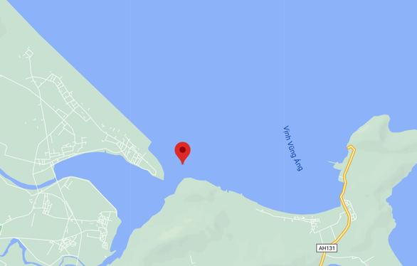 Cứu 16 thủy thủ trên tàu hàng mắc cạn ở biển Hà Tĩnh - Ảnh 3.