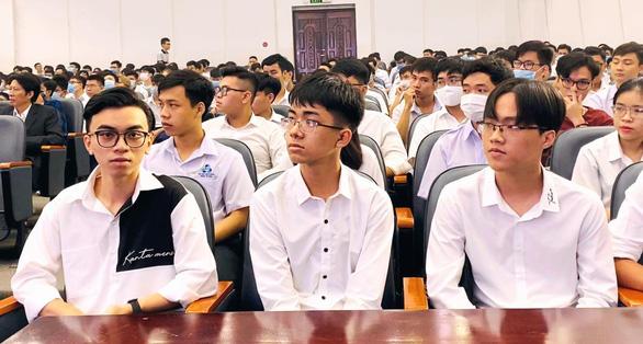 3 thủ khoa Trường ĐH Bách khoa TP.HCM cùng tên Huy Hoàng - Ảnh 2.