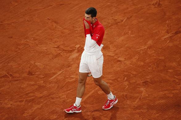 Thắng gọn Djokovic, Nadal lần thứ 20 vô địch Grand Slam - Ảnh 9.