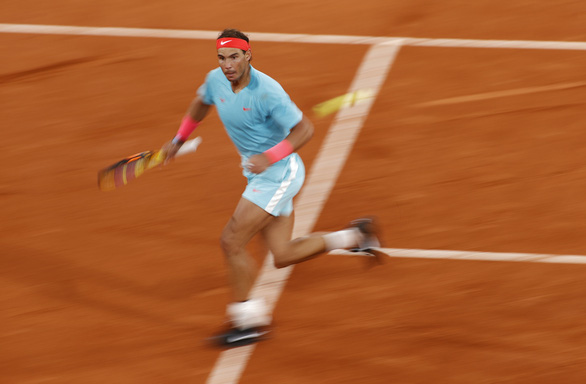Thắng gọn Djokovic, Nadal lần thứ 20 vô địch Grand Slam - Ảnh 3.
