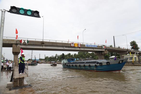 Bạc Liêu tiếp nhận công trình ngăn mặn, giữ ngọt 360 tỉ đồng cho vùng Tây sông Hậu - Ảnh 1.