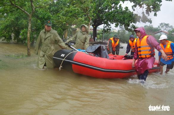 Thừa Thiên Huế cảnh báo mưa lũ đặc biệt lớn, bác tin nhiều hồ thủy lợi bị vỡ - Ảnh 1.
