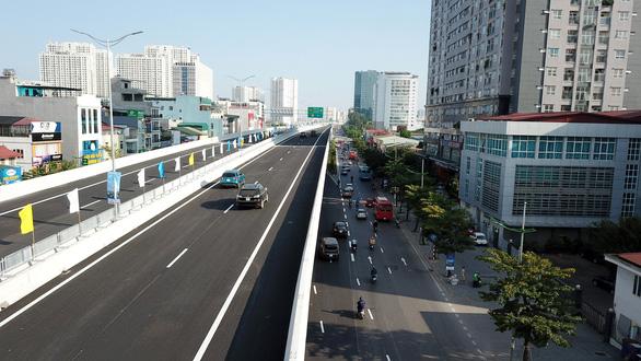 Khánh thành đường trên cao đoạn Mai Dịch - Nam Thăng Long - Ảnh 3.