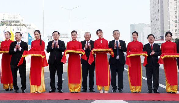 Khánh thành đường trên cao đoạn Mai Dịch - Nam Thăng Long - Ảnh 1.