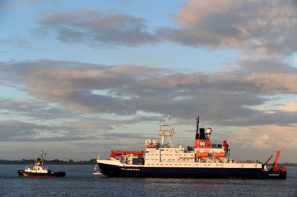 Tàu Polarstern hoàn thành sứ mệnh nghiên cứu Bắc cực lớn nhất lịch sử - Ảnh 1.