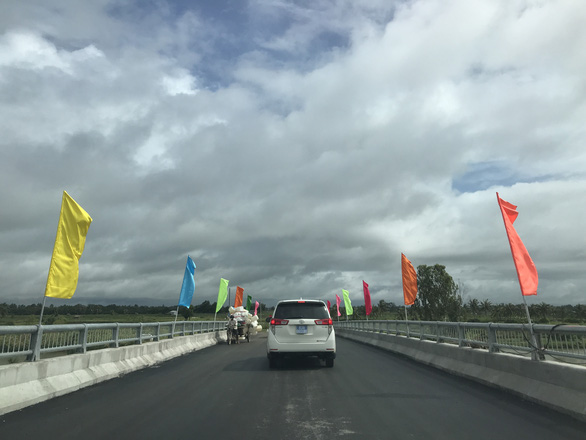 Sóc Trăng thông xe con đường tôm - lúa gần 1.200 tỉ đồng - Ảnh 1.