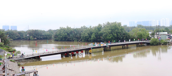 Matching dragon bridge Phuoc Loc after 8 years in the ground - Photo 3.