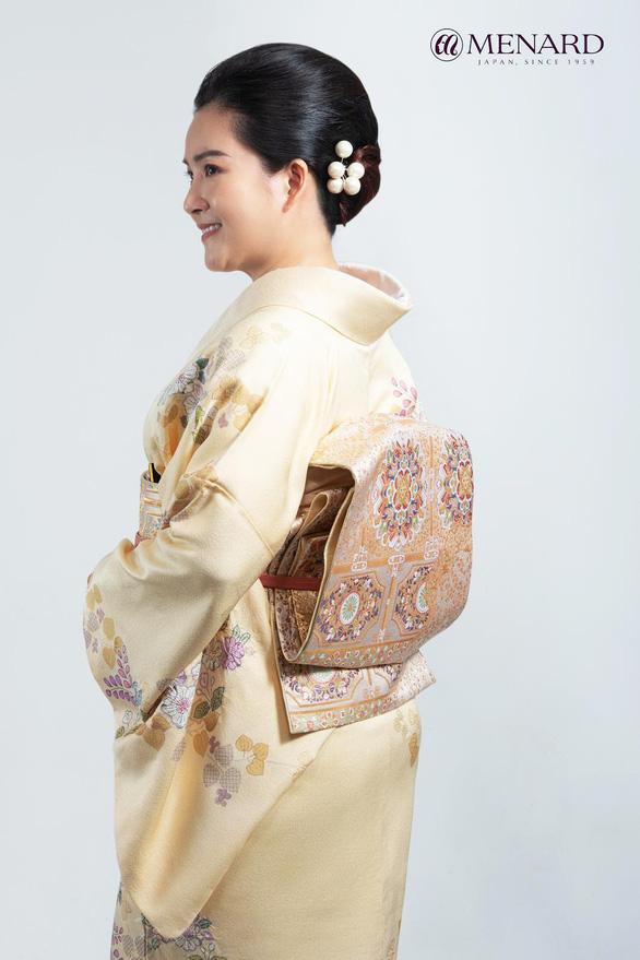 Hoa phương Đông - dáng hoa nở rộ vẻ đẹp thiên tính nữ - Ảnh 2.
