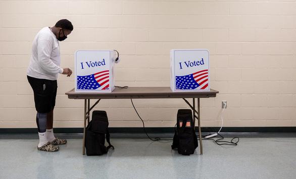 4 triệu người Mỹ đã bầu tổng thống - Ảnh 1.