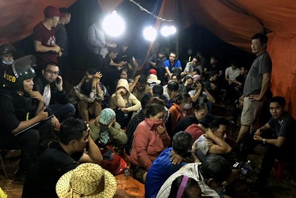 Khởi tố, bắt tạm giam 33 bị can đánh bạc tại vùng giáp ranh Đồng Nai và Bà Rịa - Vũng Tàu - Ảnh 1.
