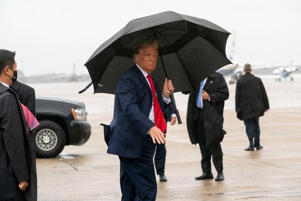 Nhiều báo lớn Mỹ ngại đưa tin các sự kiện của ông Trump vì sợ lây COVID-19 - Ảnh 1.