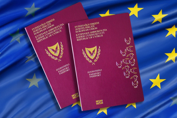 Sau khi cấp định cư gần 2.500 người khắp thế giới, Cyprus tạm ngừng hộ chiếu vàng - Ảnh 1.
