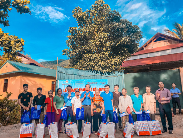 Eximbank trao tặng nhà tình nghĩa tại huyện Kỳ Sơn, Nghệ An - Ảnh 2.