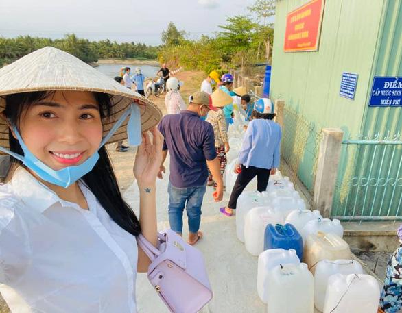 Thủy Tiên quyên 2 tỉ trong 2 tiếng, Quốc Nghiệp hướng về miền Trung lũ lụt - Ảnh 1.