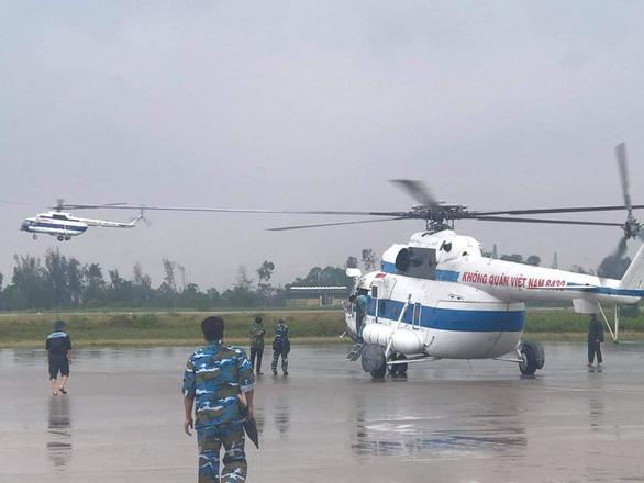 Vụ thủy điện Rào Trăng 3: Hai trực thăng cứu hộ chờ lệnh cất cánh - Ảnh 1.