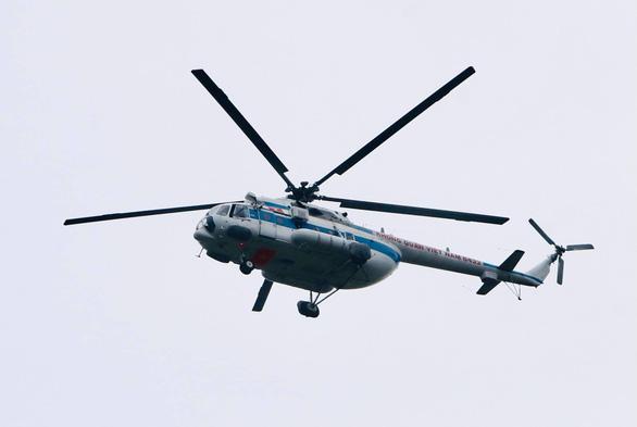 Cân nhắc sử dụng trực thăng tìm kiếm cứu nạn vì tầm nhìn hạn chế - Ảnh 3.