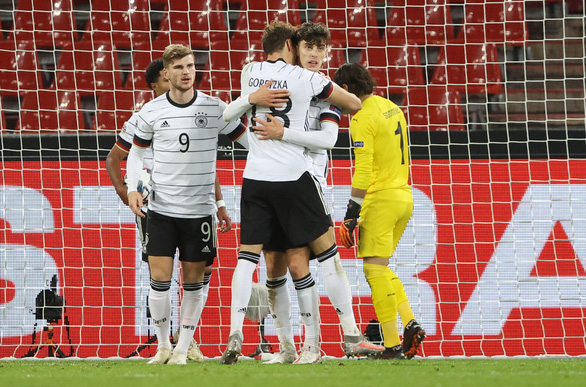 Đức hòa 'hú vía' trước Thụy Sĩ sau cuộc rượt đuổi tỉ số kịch tính - Ảnh 2.