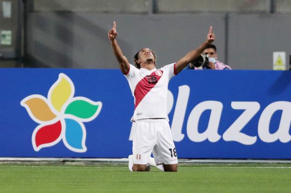 Neymar lập hat-trick, Brazil thắng ngược kịch tính Peru - Ảnh 1.