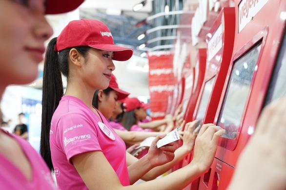 Thí sinh Hoa hậu Việt Nam khởi đầu hành trình nhân ái - Ảnh 2.