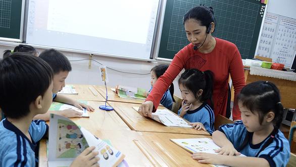 Sách giáo khoa lớp 1 mới: Bất ổn cả khâu thẩm định lẫn thực nghiệm - Ảnh 1.