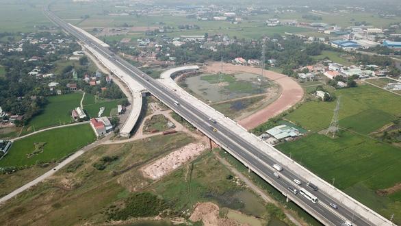 Cao tốc Bến Lức - Long Thành lại trễ hẹn vì đói vốn - Ảnh 2.