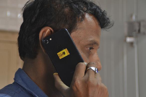 Ấn Độ làm chip từ... phân bò chống được bức xạ điện thoại - Ảnh 2.