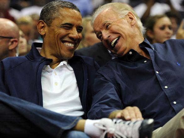 Ông Obama thân chinh vận động phiếu bầu, tiếp sức ông Biden chặng cuối - Ảnh 1.
