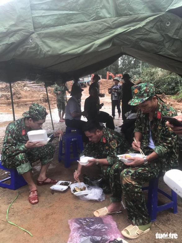 Cận cảnh hiện trường vụ sạt lở ở Trạm bảo vệ rừng 67 - Ảnh 7.