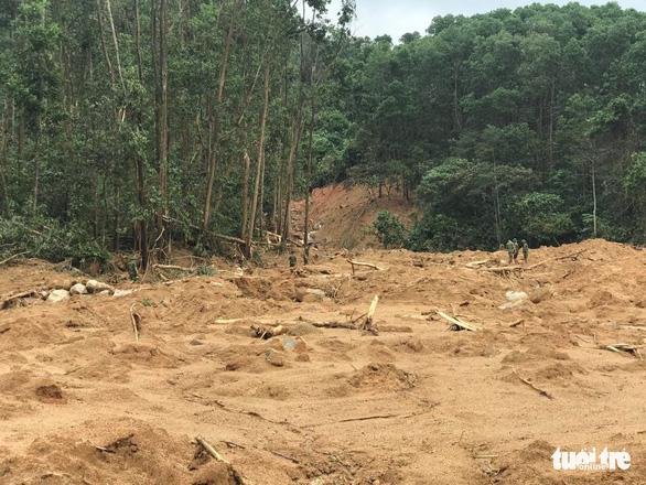 Cận cảnh hiện trường vụ sạt lở ở Trạm bảo vệ rừng 67 - Ảnh 3.