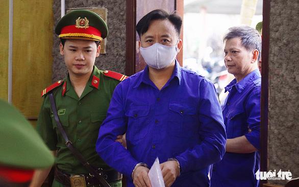Phúc thẩm vụ gian lận điểm thi tại Sơn La: hoãn xử vì vắng luật sư - Ảnh 2.