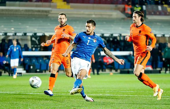 Cầm chân Ý, Hà Lan vẫn chưa biết thắng cùng HLV Frank de Boer - Ảnh 1.