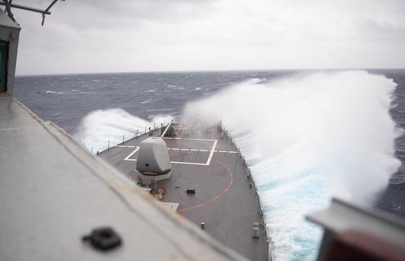 Ông Tập đang nam tuần, tàu chiến Mỹ đông du qua eo biển Đài Loan - Ảnh 1.