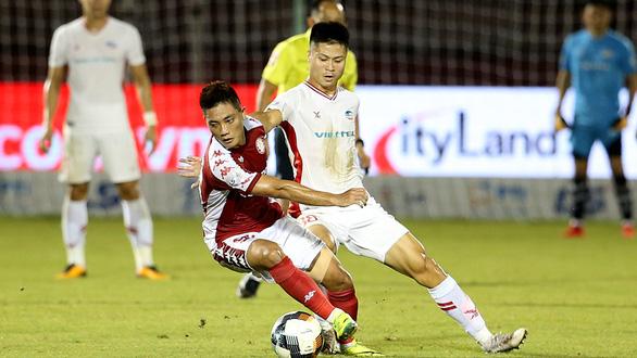 Vòng 2 giai đoạn 2 V-League 2020: Viettel vươn lên đầu bảng - Ảnh 1.