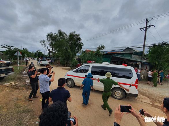 Đã tìm thấy 13 thi thể chiến sĩ, cán bộ hi sinh khi cứu nạn thủy điện Rào Trăng 3 - Ảnh 8.