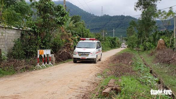 Trưa 15-10, đã tìm thấy 1 thi thể tại nơi sạt lở trạm 67 - Ảnh 2.