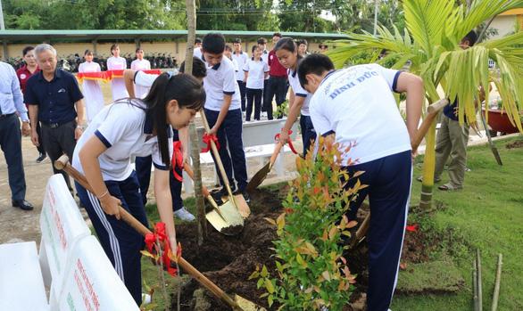 Toyota chung tay xanh hóa học đường nhân rộng mảng xanh tại nhiều trường học - Ảnh 1.