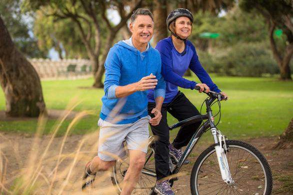 Nâng niu sức khỏe tim mạch: Cách giản dị để vui sống thanh xuân không tuổi - Ảnh 1.