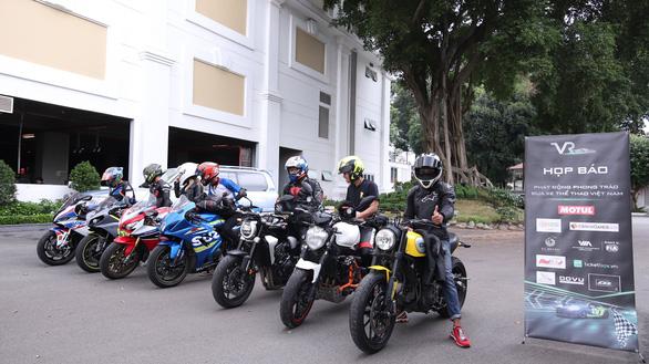 Phát động phong trào đua xe chuyên nghiệp Việt Nam - Ảnh 1.