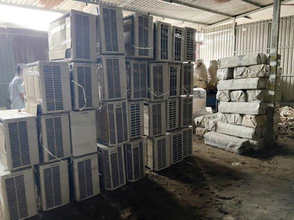 Tạm giữ hơn 1.000 thiết bị điện tử, điện lạnh từ biên giới Campuchia về TP.HCM - Ảnh 4.