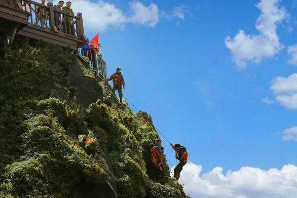 Làm du lịch bền vững từ những hành động thiết thực - Ảnh 1.