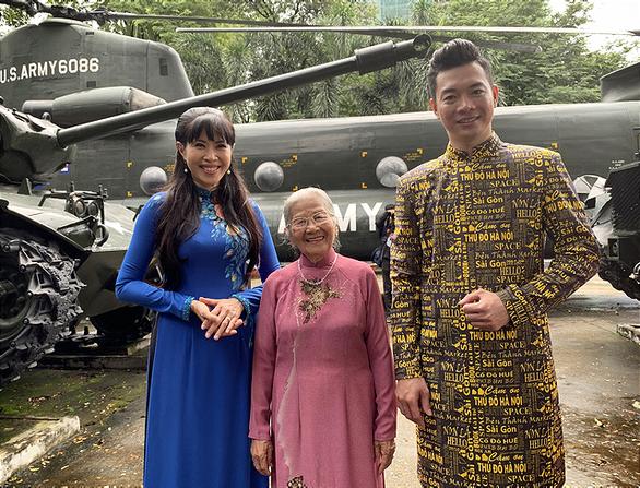 Nghệ sĩ Phi Điểu, Quỳnh Hoa lan tỏa tình yêu áo dài tại các điểm du lịch nổi tiếng - Ảnh 1.