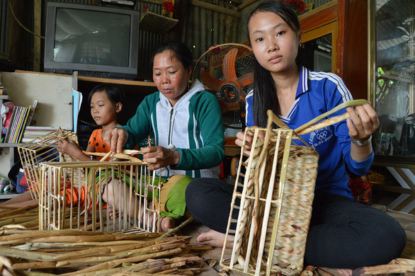 Đào tạo nghề cho lao động nông thôn: Dạy nghề xong, tạo việc làm luôn - Ảnh 1.